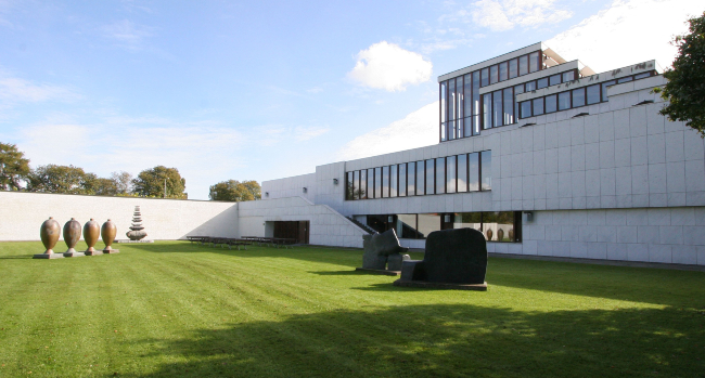 Guided tour at Aalborg Museum of Modern Art